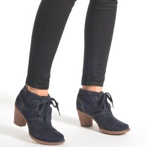 New Clark's Navy Suede Lace Up Ankle Booties